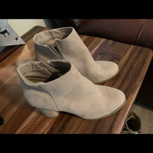 DV booties -NEW